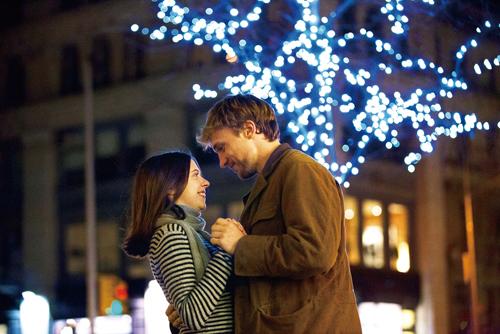 alluxe Cinema ― お出かけが楽しくなる秋は、映画ざんまいで過ごすのはいかが