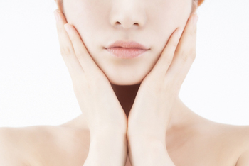 薄着の季節になる前に! 切らない小顔・痩身術で冬太りを解消しよう