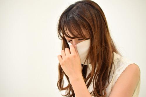 花粉が多い時期に肌が荒れるのはなぜ?