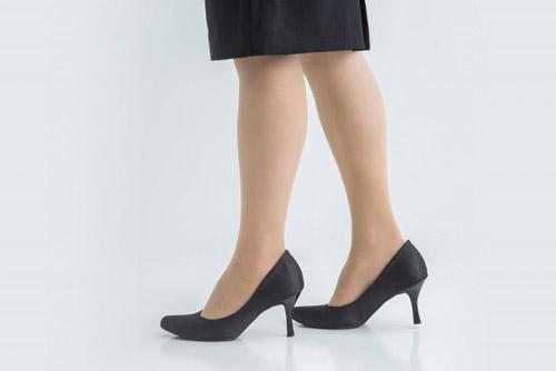 足の臭いに悩む女性が多いのはなぜ?
